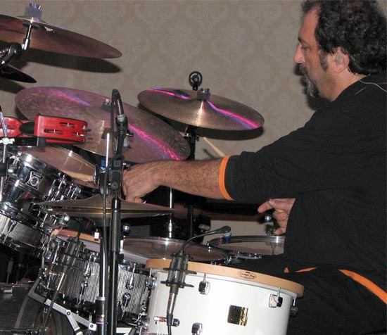 DrumsOnTheWeb.com - Your favorite music for drummers and percussionists!
