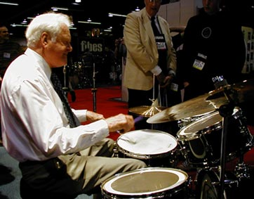 Jim Chapin : drums